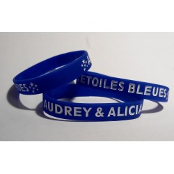 Bracelet bleu gravé blanc